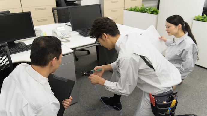 カスタマーエンジニアはコンピュータの保守、点検、修理をこなすプロ